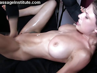 Busty Babe Has Wild Orgasms | Squirt.top Porn Tube