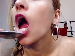 Amateur Cam Teen Girl Masturbates And Squirts With A Spoon | Squirt.top Porn Tube