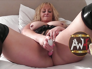 British Bareback MILF Slut Squirts As Gangbanged By 6 Guys | Squirt.top Sex Tube