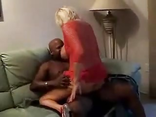Mature Milf Squirts On BBC | Squirt.top Porn Tube