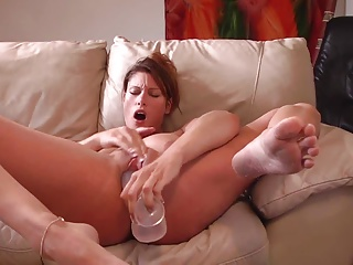 Huge Dildo Makes Her Squirt | Squirt.top Porn Tube