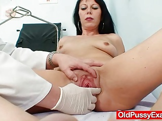 Slim Cougar Magda Squirts Liquid Out Her Pussy | Squirt.top Porn Tube
