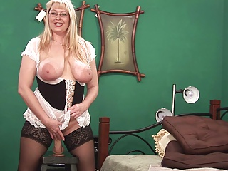Sexy Milf  2 | Squirt.top Porn Tube