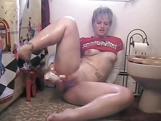 MILF With A Great Ass Squirts While Toying Butt And Pussy | Squirt.top Porn Tube