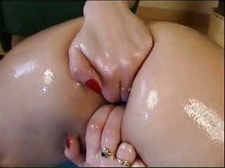 Oiled Brunette Masturbating And Fisting | Squirt.top Porn Tube