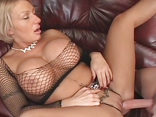 Une Belle Mature | Squirt.top Porn Tube