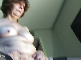 Real Amateur Granny Squirts Like Whore | Squirt.top Porn Tube