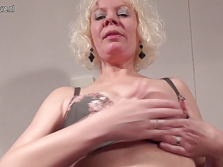 Squirting Dutch Mature Mother Wetting The Bed | Squirt.top Porn Tube