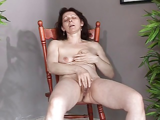 Mature With Small Saggy Tits Makes Herself Cum And Squirt | Squirt.top Porn Tube