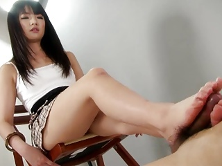Hot Little SCHOOLGIRL Give An Amazing Footjob Shoejob | Squirt.top Porn Tube