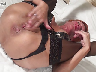 Amateur Mom Squirting And Playing With Fruit | Squirt.top Porn Tube