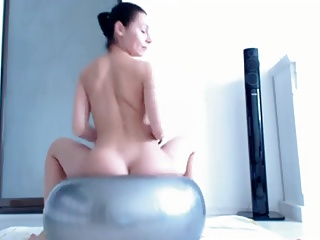 Bouncing Ball Squirting Orgasm | Squirt.top Porn Tube