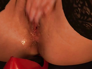 Her Own Personal Shoe Shine | Squirt.top Porn Tube