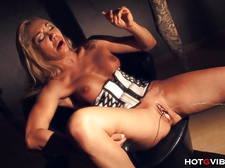 Slut MILF Squirts Uncontrollably | Squirt.top Porn Tube