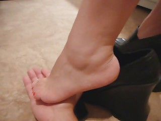 Sniffin Feet | Squirt.top Porn Tube